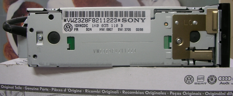http://dataton.net/vw/CDchanger/VW-Sony-6discChanger-side_2.jpg