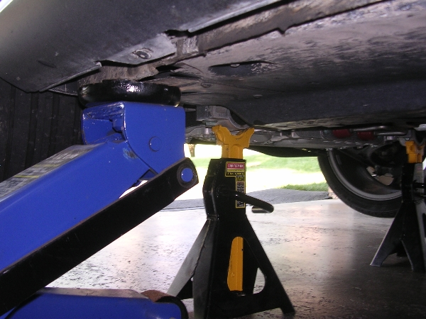 VWVortex.com - Want to lift Jetta with a normal jack... but where?