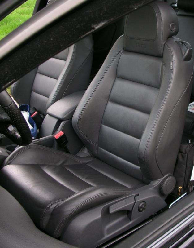 Help - Headrest removal!! I feel really dumb - VW GTI ...