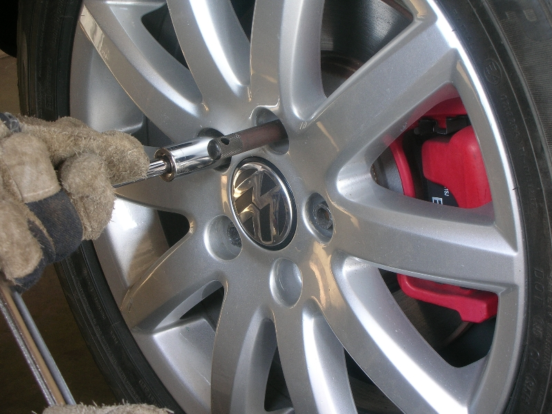 Stripped lug bolt - VW GTI Forum / VW Rabbit Forum / VW R32 Forum / VW Golf Forum - Golfmkv.com